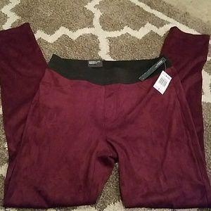 NWT size 6 wine colored skinny pants INC